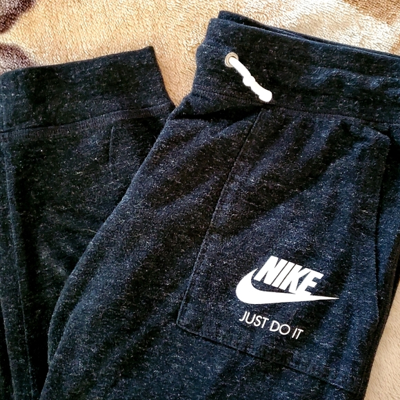 Nike Gym Sportwear - Capri